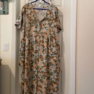 Basic Maxi Flowered Dress with Short Sleeves 20W
